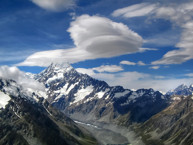 Mt Cook with lenticular cloud